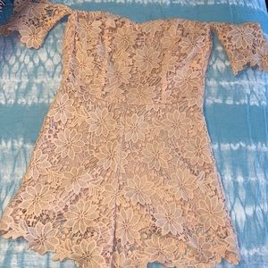 floral lacy romper(CLICK TO SEE ON)
